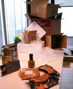 Sehr ärgerlich: Ein unverhältnismäßiger Berg an Verpackungsmaterialien